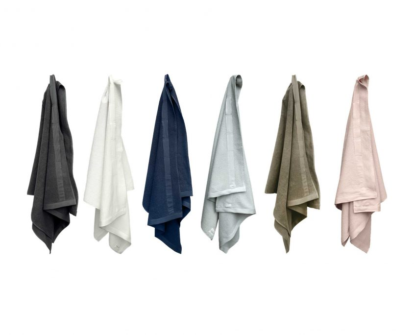 EverydayBathTowelToWrap-hanging-LOW